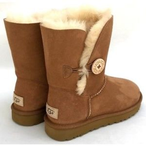 UGG Bailey Button boots chestnut New